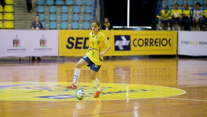 18ea1cf0b0 Cearense Amandinha foi campeã mundial com seleção brasileira de futsal  (Foto  Divulgação CBFS