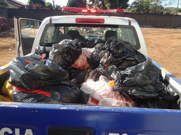 Foram apreendidos 245 kg de carne imprópria para consumo (Foto: Divulgação/Ascom MPE)