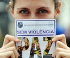 Panfleto dá  dicas para caso de tumulto (Luiz Roberto Lima/G1)