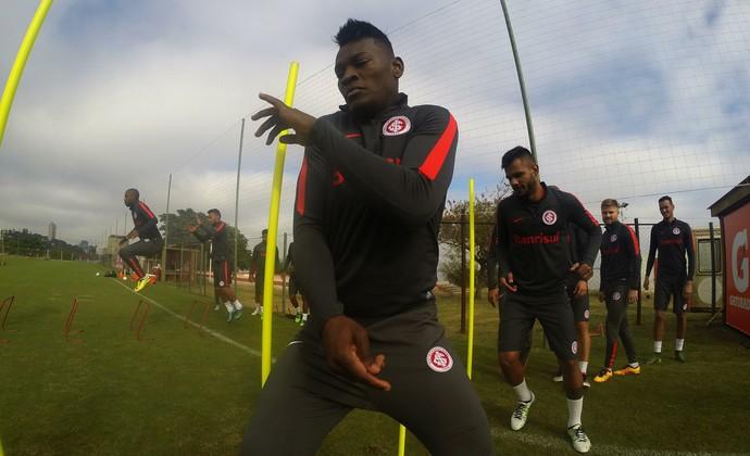 Paulão treino do Inter (Foto: Ricardo Duarte/Divulgação Inter)