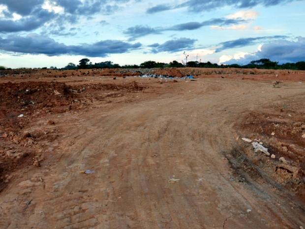Em fotos, prefeitura mostra diferença do lixão de 2013 para este ano e reafirma que aguarda recursos federais para novas melhorias (Foto: Divulgação/Prefeitura de Brasileia)