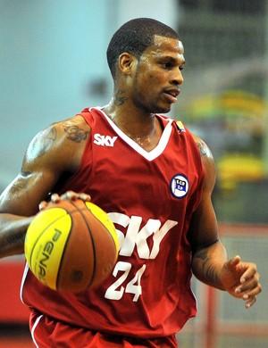 Shamell é o principal nome da equipe do Pinheiros que tenta o bicampeonato da Liga das Américas (Foto: João Pires)