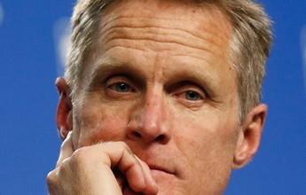 """Frustrado com série contra OKC, Curry vê luz no fim do túnel: """"Não terminou"""""""