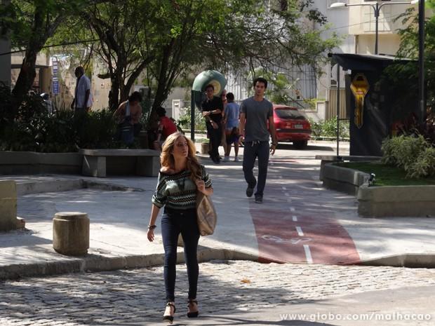 Serguei acha que Ben e Sofia estão juntos (Foto: (Malhação/ TV Globo))
