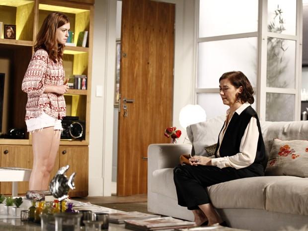 Amante e esposa começam a lavar roupa suja  (Foto: Inácio Moraes/TV Globo)