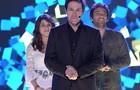 Jonas Marra entre os vencedores do reality, Manuela Yanes e Davi Reis (Foto: Parker TV)