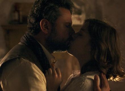 Augusto faz pedido provocante para Cecília; veja teaser!