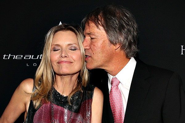 Michelle Pfeiffer e David E. Kelley (Foto: Getty Images)