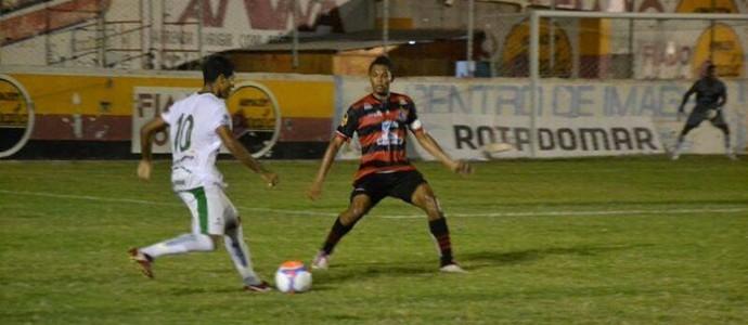 Sousa x Campinense, no Estádio Marizão, pelo Campeonato Paraibano 2014 (Foto: Jéfferson Emmanuel / GloboEsporte.com/pb)