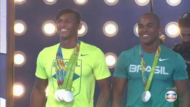 Isaquias Queiroz e Erlon de Souza falam da emoção de levar a prata na canoagem