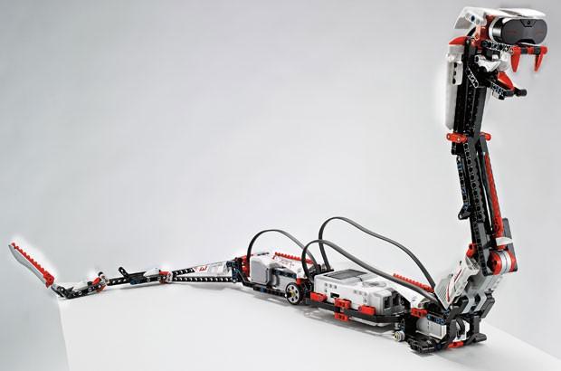 Cobra é uma das criações possíveis com kit de peças da Lego (Foto: Lego/AP)
