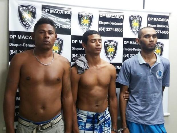 Carlos Francisco da Silva, João Marcos Moura da Silva e Jadson Ênio Charles Trajano foram recapturados em Macaíba, cidade da Grande Natal (Foto: Polícia Civil/Divulgação)