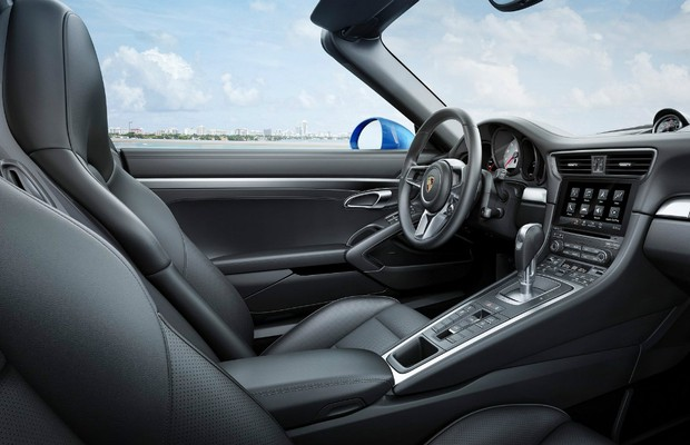 Nova central sensível ao toque é compatível apenas com o Apple Car Play (Foto: Divulgação)