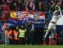 """Zidane se compara a CR7 e elogia hat-tricks: """"Ele nos acostuma mal"""""""