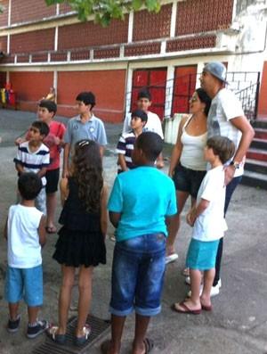 Alex Silva com torcedores do fla na gávea (Foto: Arquivo Pessoal)
