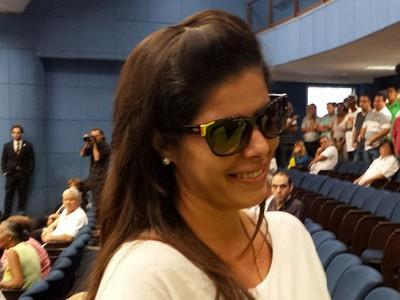 Esposa Luciano do Valle velório Campinas (Foto: Fernando Pacífico)