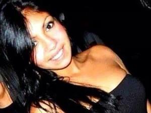 Jackeline Justino de Souza, de 21 anos, é suspeita de ser cúmplice de tortura em Praia Grande, SP (Foto: Reprodução/Facebook)