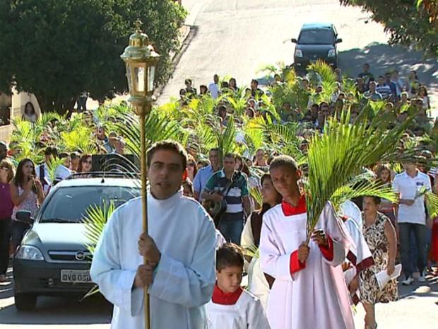 Missa de Domingos de Ramos em São João da Boa Vista (Foto: Reprodução/EPTV)