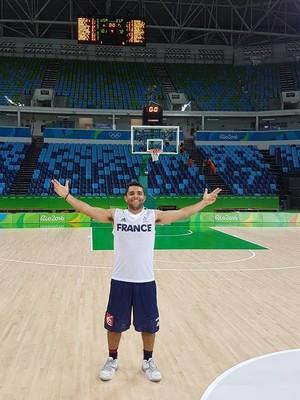 voluntário basquete frança vitor Galvani rio 2016 (Foto: Arquivo Pessoal)