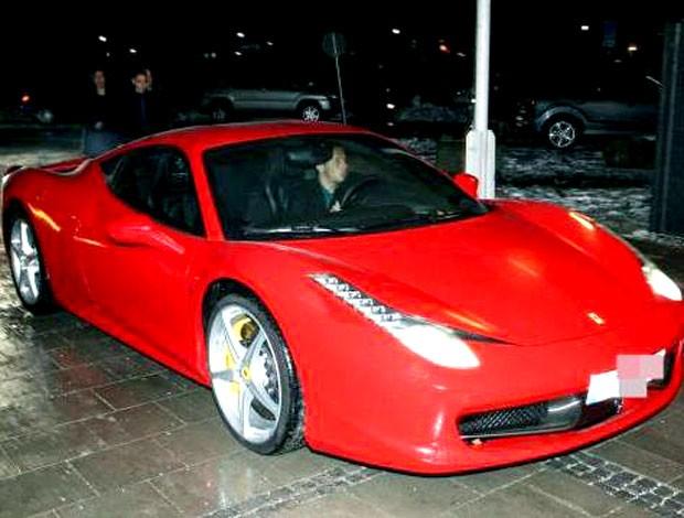 Rafinha com sua Ferrari Boleirama (Foto: Reprodução)