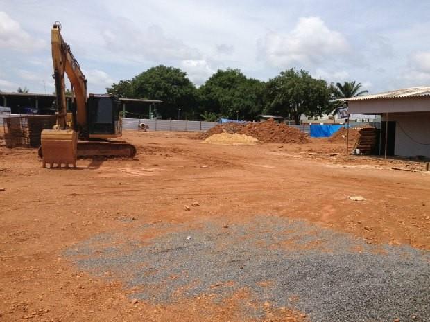 Obras da nova rodoviária estão interditadas e documentos do processo estão apreendidos pela PF (Foto: Ivanete Damasceno/G1 RO)