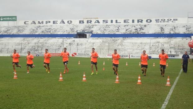 Remo vai intensificando os trabalhos físicos no Estádio Baenão (Foto: Gustavo Pêna/GLOBOESPORTE.COM)