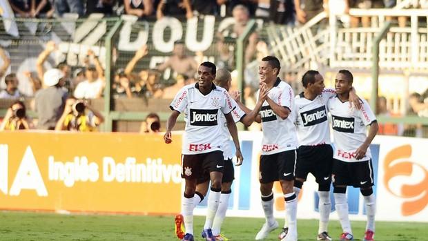 Jogadores corinthians (Foto: Marcos Ribolli / globoesporte.com)