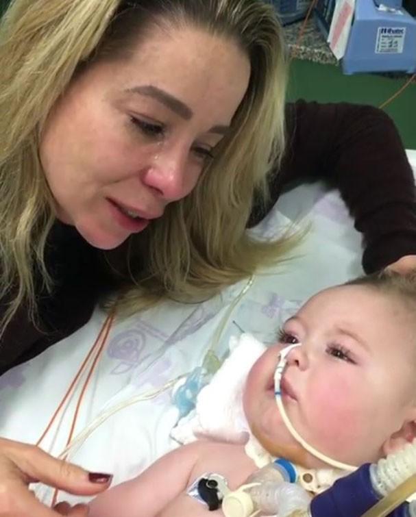 Danielle Winits se emociona ao visitar bebê com AME (Foto: Reprodução/Instagram)