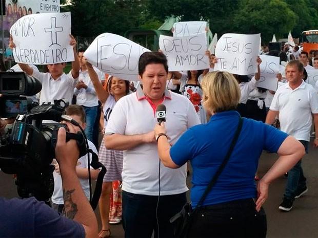 Pastor protesto 50 Tons de Cinza Erechim (Foto: Reprodução/Facebook)