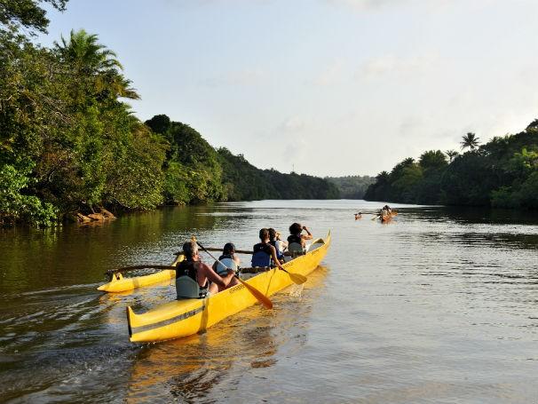 Atividade de canoa havaiana (Foto: Divulgação/ abeta)