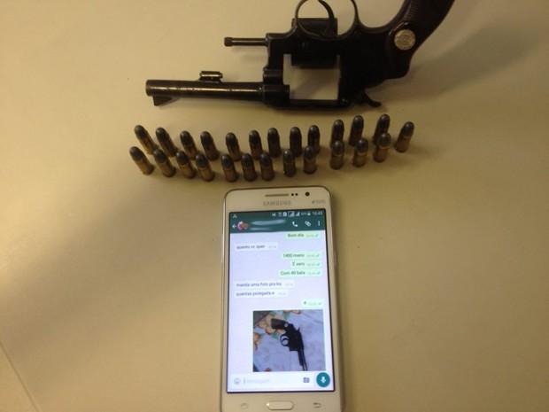 Homem negociava armas pela internet (Foto: Polícia Civil/Divulgação)