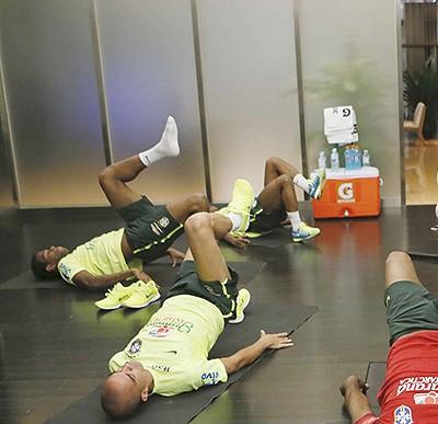 Seleção Brasileira na academia em Pequim (Foto: Rafael Ribeiro / CBF)