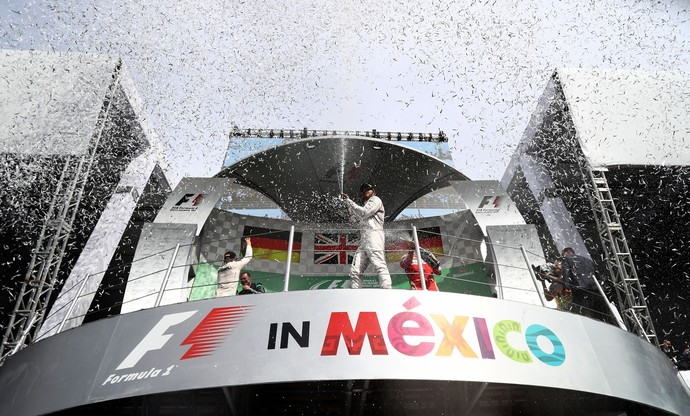 Lewis Hamilton, Nico Rosberg e Sebastian Vettel no pódio do GP do México (Foto: Getty Images)