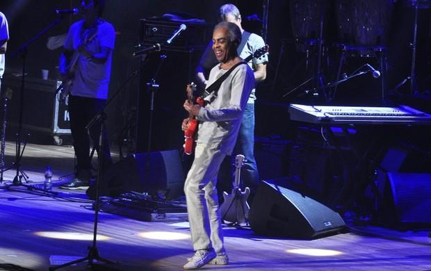 Gilberto Gil no palco do Imperator (Foto: Roberto Teixeira/EGO)