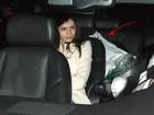 Lindsay Lohan tenta entrar em boate após acordo de rehab, mas desiste