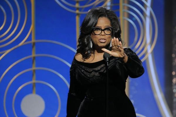 A atriz e apresentadora Oprah Winfrey durante seu discurso no Globo de Ouro 2018 (Foto: Getty Images)
