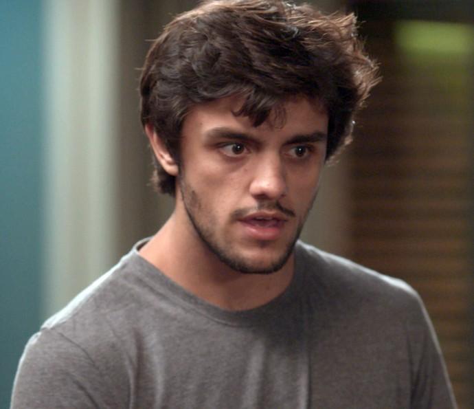 Jonatas acabou sacando a armação de Cida e Stelinha (Foto: TV Globo)