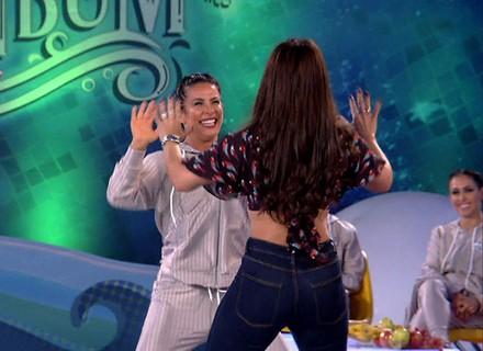 Scheila Carvalho e Viviane Araújo dançam música do É O Tchan no 'Saltibum'