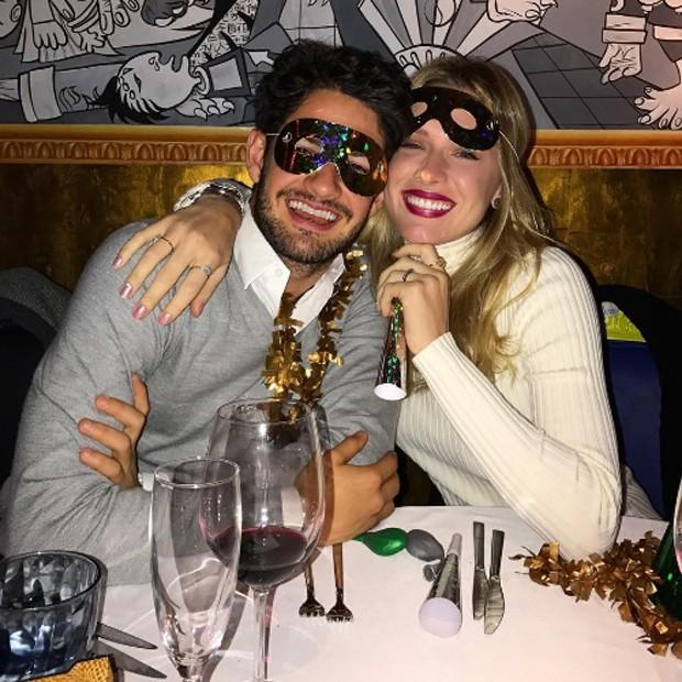 Janeiro de 2017: Fiorella e Pato no Réveillon. Casal passou a virada do ano na Espanha (Foto: Reprodução/Instagram)