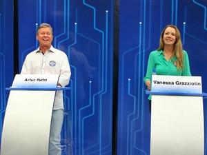 Artur Neto e Vanessa Grazziotin disputam a Prefeitura de Manaus (Foto: Mônica Dias/G1 AM)