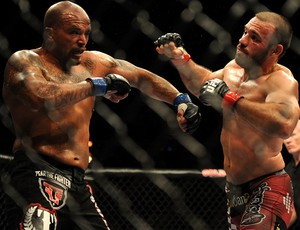 Joey Beltran x Igor Pokrajac UFC: Sotiropoulos x Pearson (Foto: Getty Images)