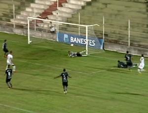 Gol de marcinho, real noroeste (Foto: Reprodução/TV Gazeta Noroeste)