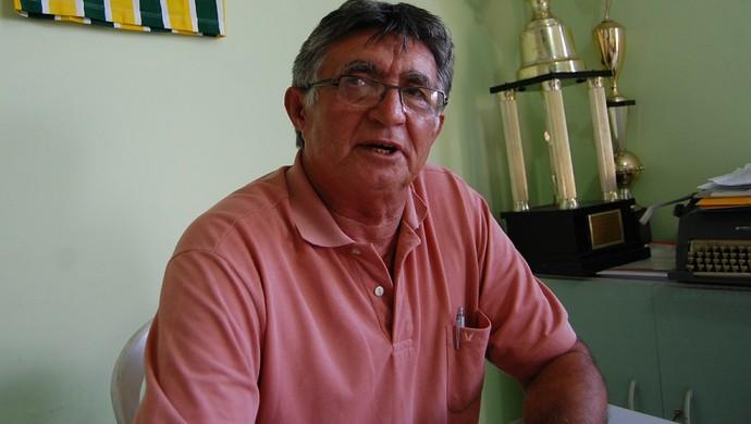 Valdir Cabral, presidente do Serrano (Foto: Silas Batista / GloboEsporte.com)