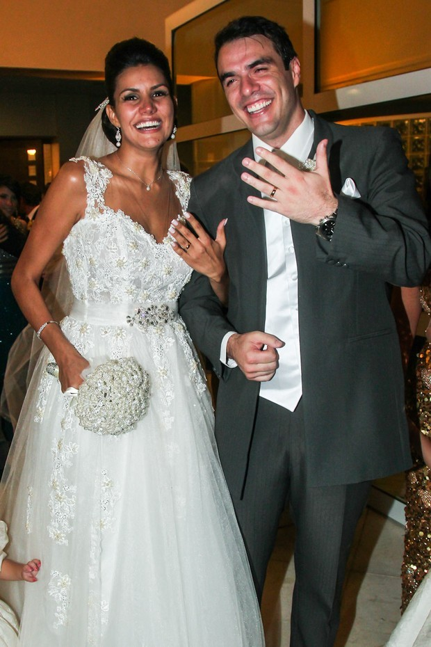 Mariana e Daniel no casamento (Foto: Manuela Scarpa/Brazil News)