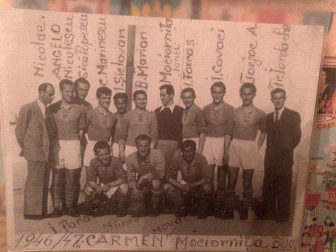 Foto do Carmen Bucareste, time onde Niculescu jogou (Foto: Felipe Schmidt)