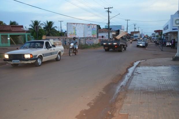 Para a instalação do semáforo no local será preciso a realização de um estudo, diz secretaria (Foto: Magda Oliveira/G1)