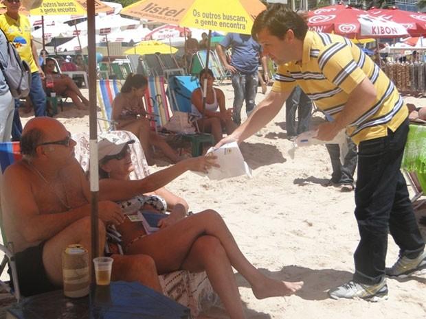 Prefeito Geraldo Julio participou do primeiro dia do Praia Limpa (Foto: Sthèphanie Villarim/Divulgação)