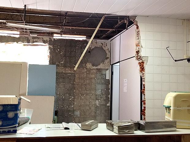 Em condições precária, setor funcionava como Centro de Esterilização (Foto: Kelly Martins)