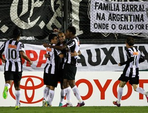 Atlético-mg comemora gol sobre o Arsenal (Foto: Reuters)