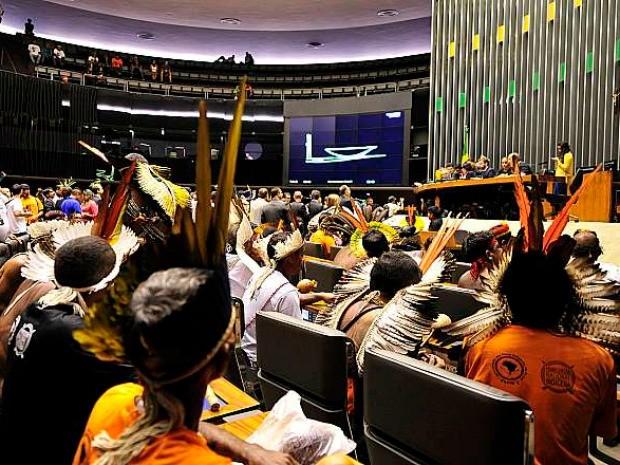 Índios foram ao Congresso neste mês para pedir o arquivamento da PEC (Foto: Luis Macedo - Câmara dos Deputados)